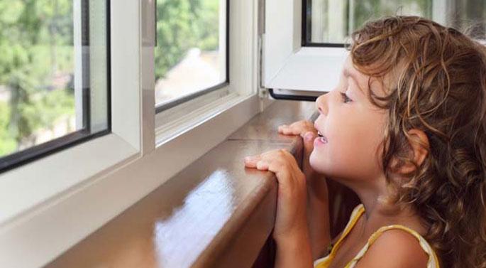Окна в Пскове. Детские замки. Оконная безопасность